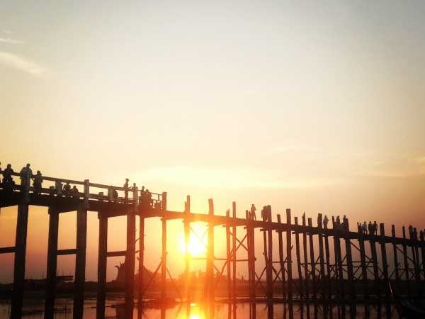 Coucher de soleil sur l'U Bein Bridge